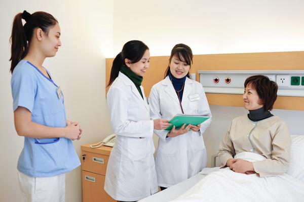 Nên đi du học ngành điều dưỡng ở quốc gia nào?