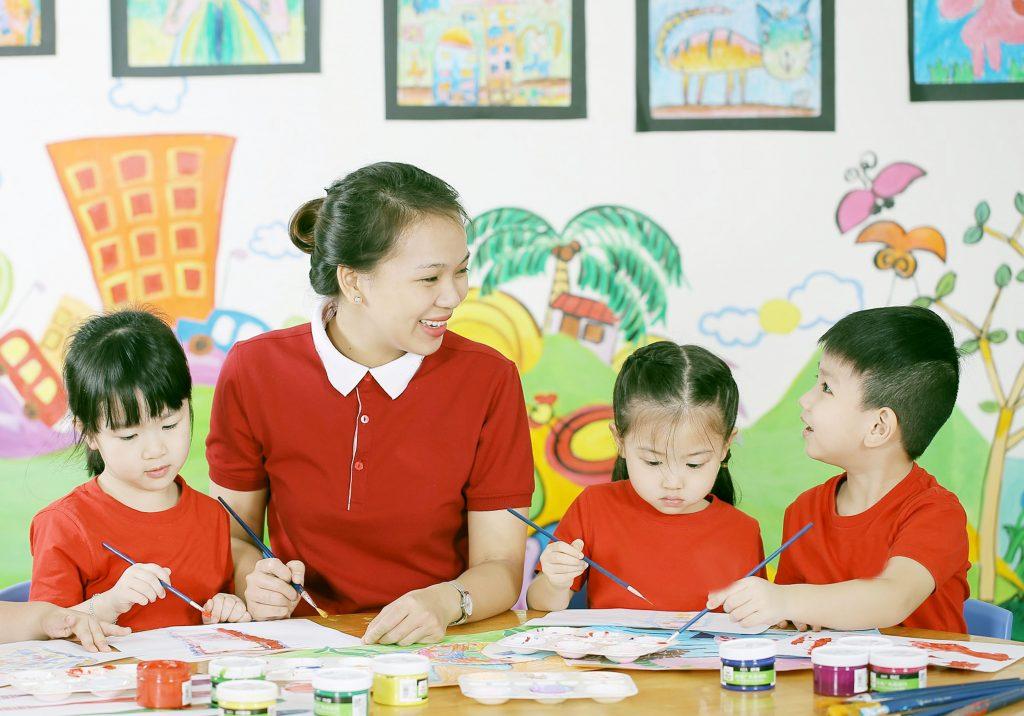 Lòng yêu nghề của giáo viên mầm non- định hướng tương lai của trẻ