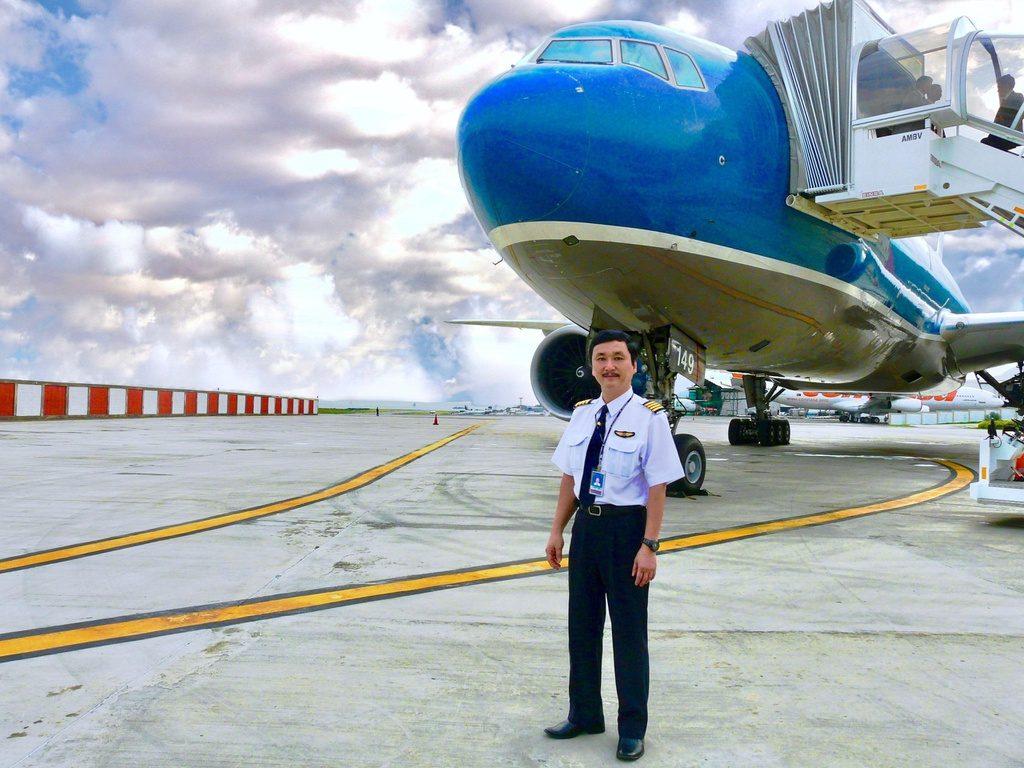 Nghề phi công ở Việt Nam làm gì và cần những tiêu chuẩn nào?