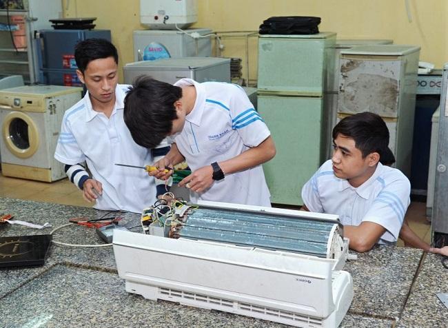 Nghề điện lạnh phù hợp với những ai đam mê kỹ thuật và không ngại khó